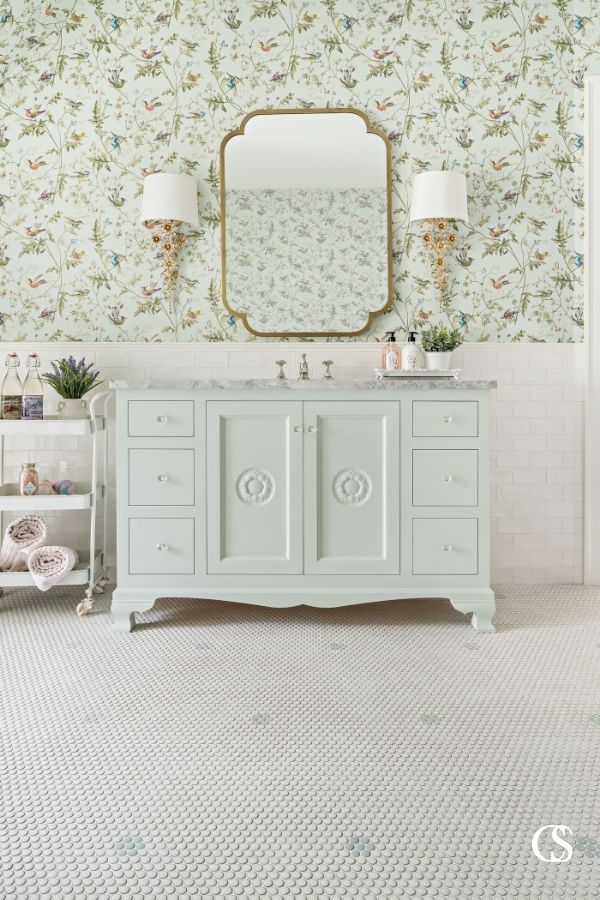 Why not let your bathroom get in touch with its feminine side? This is one of the best custom bathroom cabinets for truly embracing a gorgeous vintage aesthetic.