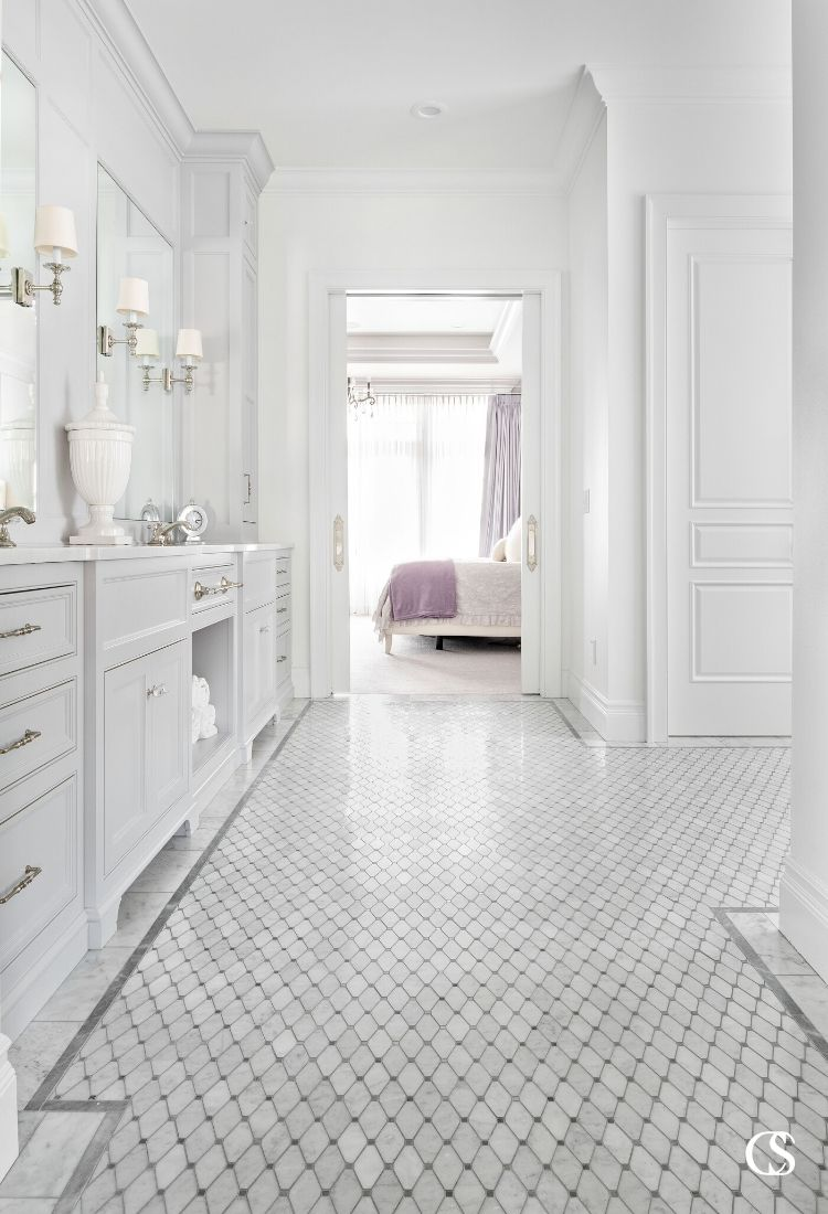 Imagine the very best custom bathroom design in your home? What does it include? A double sink vanity? A soothing color palette? Cupboards and drawers for every need? Yeah, us too.