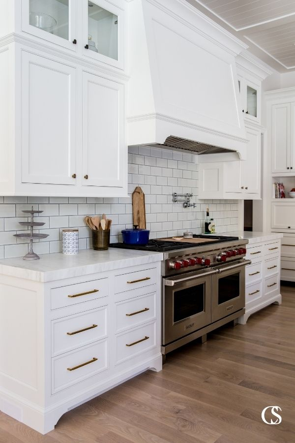 The best unique custom cabinets are those that have flawless functionality and look beautiful simultaneously.