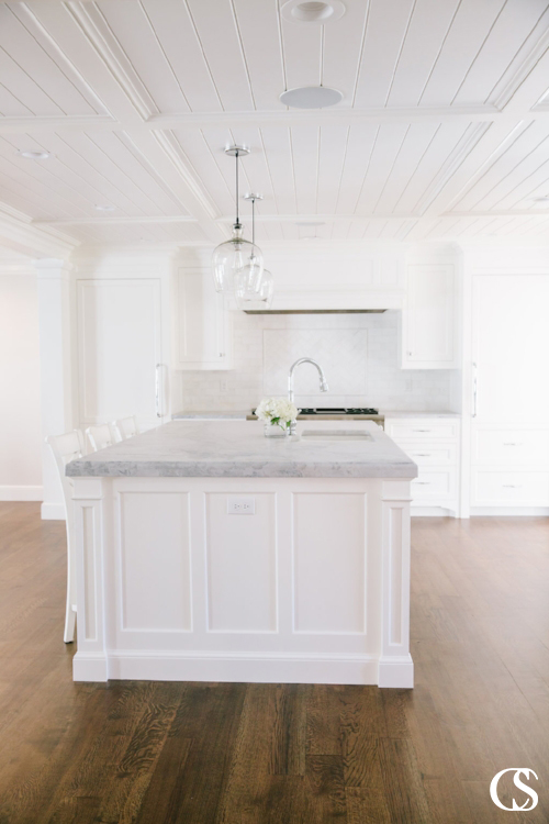 The best kitchen cabinet design should offer function and beauty to your kitchen.