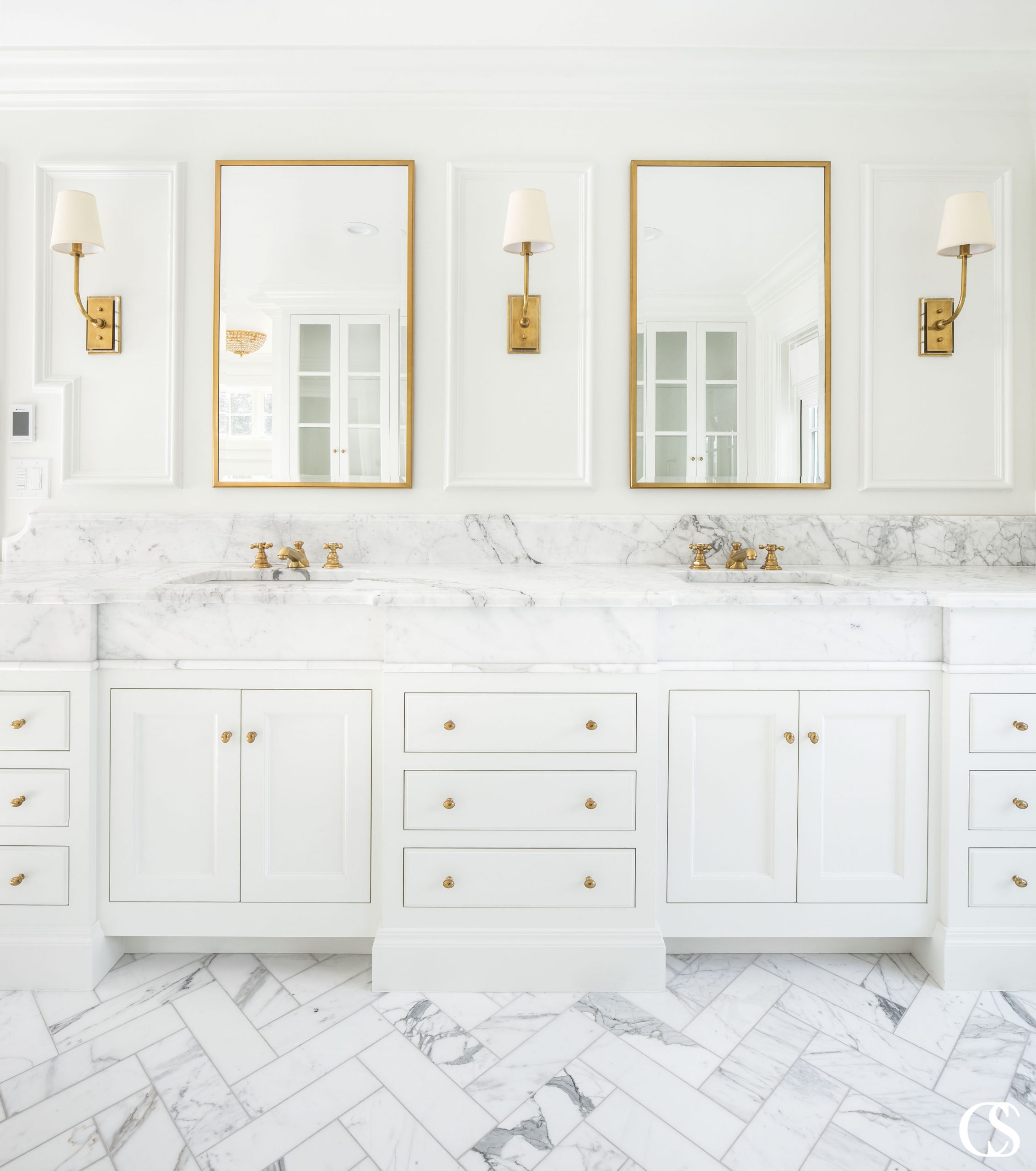 An exceptional vanity design requires careful planning and attention to detail. There are plenty of decisions to be made, from the layout and style to the types of sinks and countertops. This six-step process gives you a game plan to follow as you're designing your new modern bathroom cabinets.